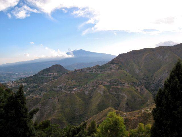 Udsigt mod Etna fra Castelmola. Foto: Ulla Barfod