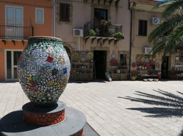 Keramik, Santo Stefano di Camastra. Foto: HenrikSoele