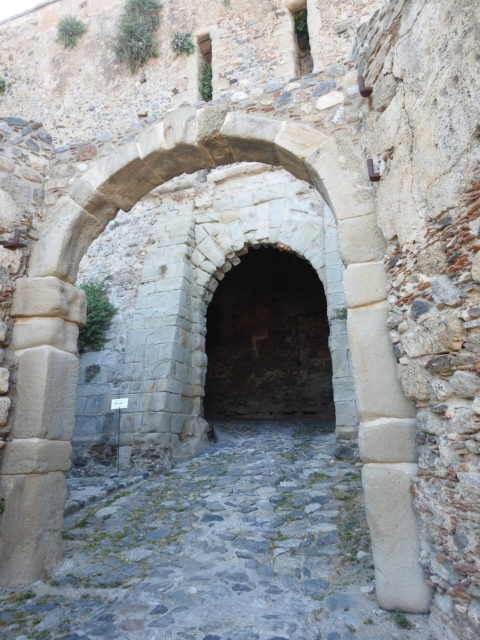 Indgang gennem den spanske del af slottets ringmur. Foto: KirstenSoele
