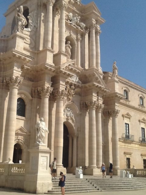 Domkirken, det tidligere Athenetempel, i Siracusa. Foto: KirstenSoele