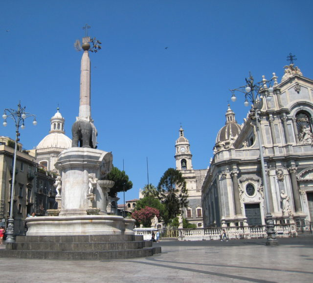 Piazza del Duomo i Catania. Foto: KirstenSoele