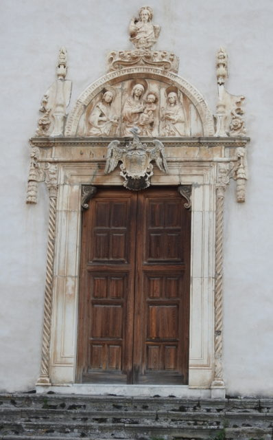 Marmorportal ind til Cattedrale Santa Maria Assunta. Foto: KirstenSoele