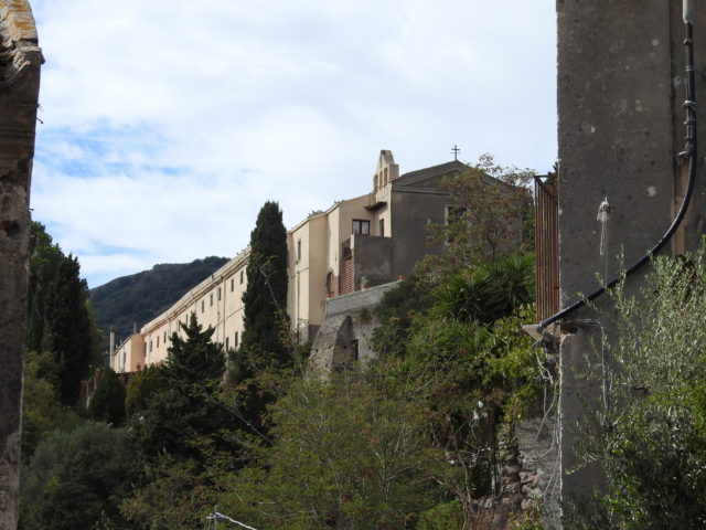 Kirke og Cappuccinerkloster, Savoca. Foto: KirstenSoele