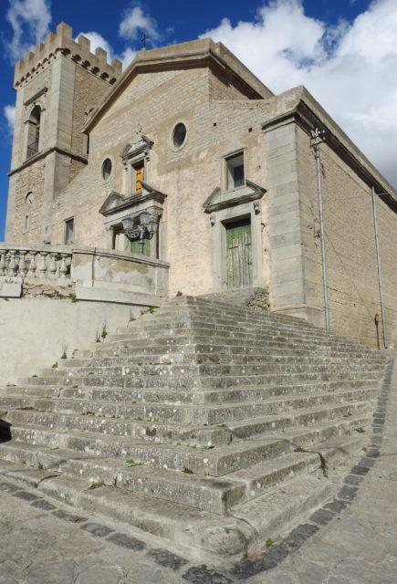 Duomo di Montalbano di Elicona. Foto: KirstenSoele