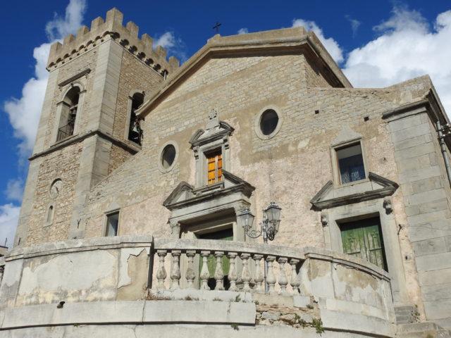 Duomo di Montalbano Elicona. Foto: KirstenSoele