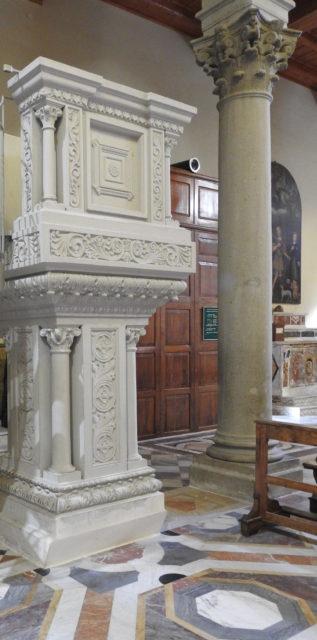 Prædikestol i Montalbano Eliconas domkirke. Foto: KirstenSoele