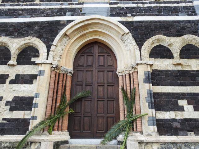 Det centrale indgangsparti i arabisk-normannisk stil