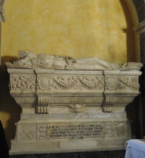 Dronning Adelesia del Vastos sarkofag. Foto: KirstenSoele