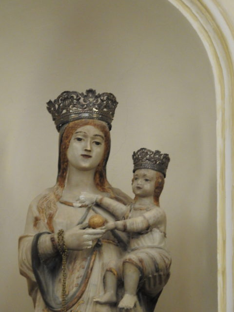 Madonna med barnet, udført af Antonio Vanella. Foto: KirstenSoele