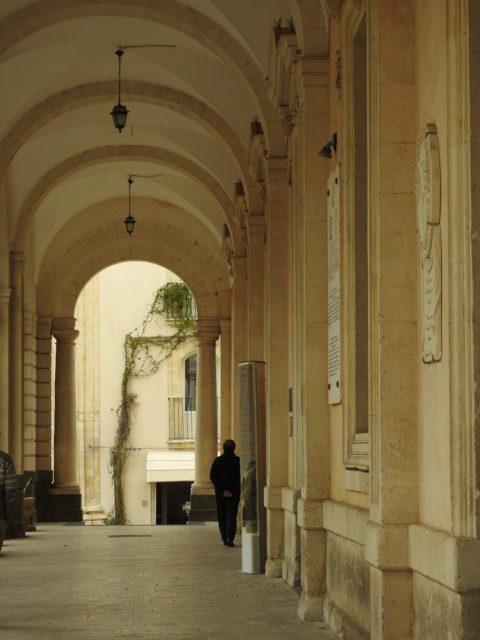 Søjlegangen i Palazzo del Municipio. Foto: KirstenSoele