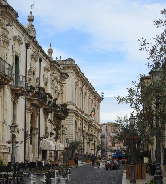 Corso Vittorio Emanuele, der går ned fra Piazza Popolo. Foto: KirstenSoele