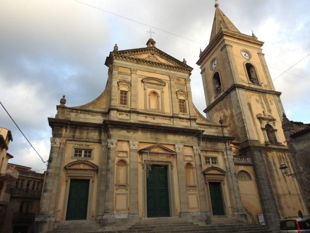Duomo di Novara di Sicilia eller Duomo di Santa Maria Assunta. Foto: KirstenSoele