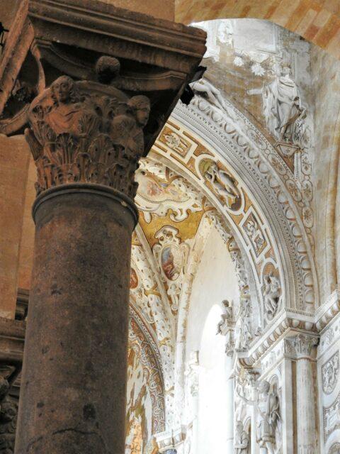 Søjle fra antikt bygningsværk. Foto: KirstenSoele